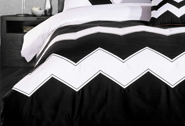 King Size 3pcs Black White Zig Zag Quilt Cover Set