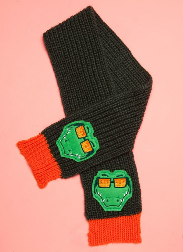 Scarf Alligator