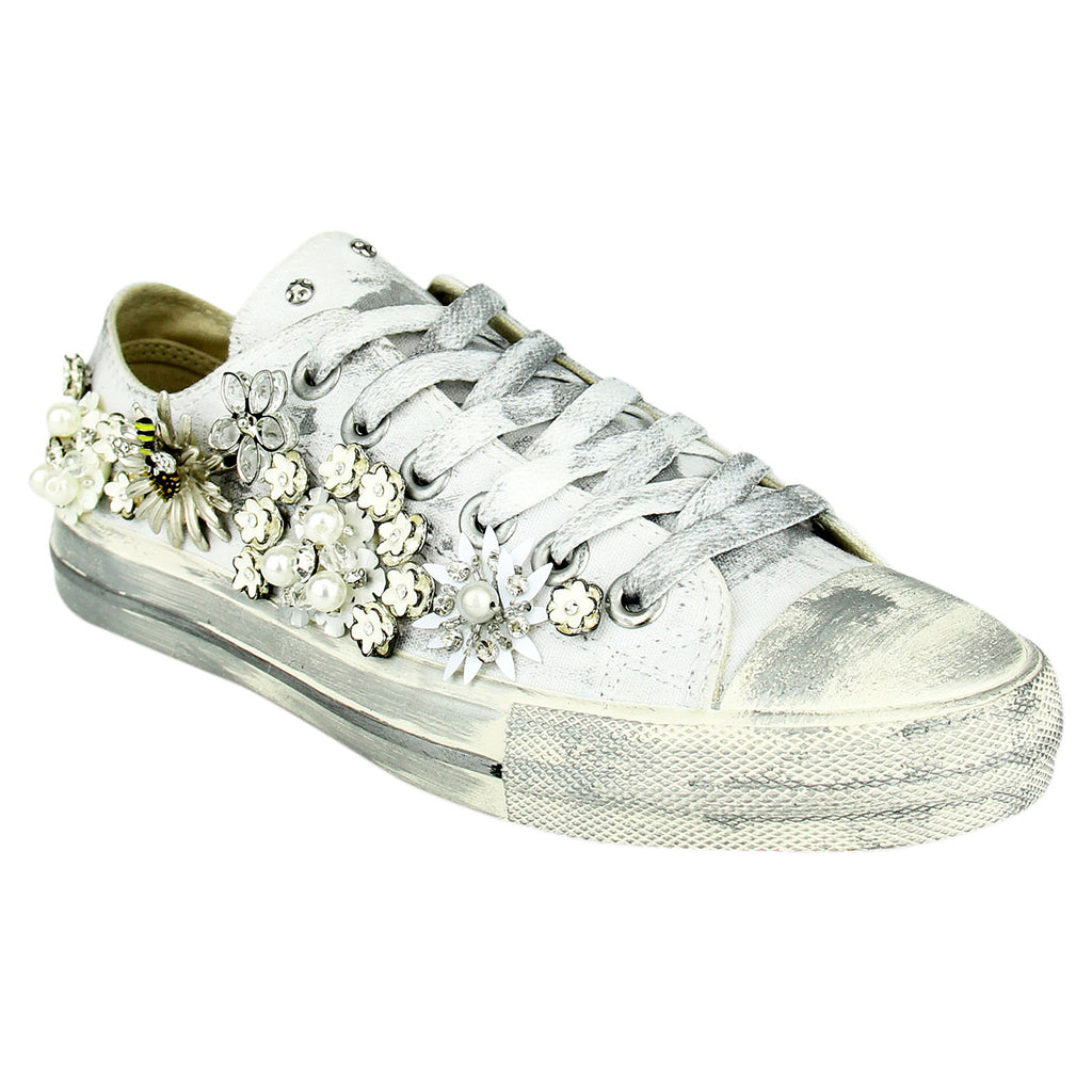 Naughty_Monkey_women's_sneaker_embellished_flower_low-cut_rubber-sole_canvas_white