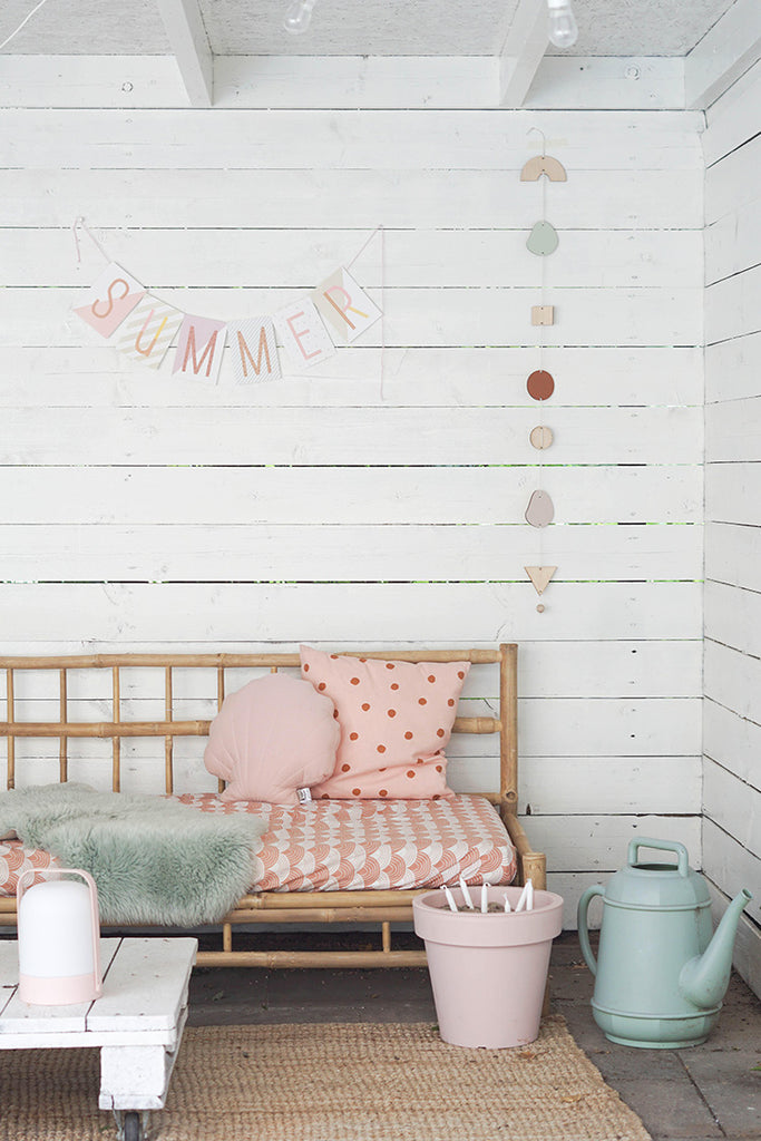 outdoors_space_interiors_pink