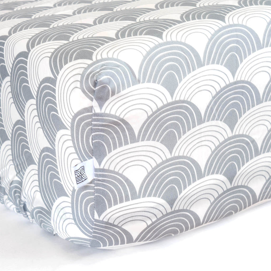 Organic fitted crib sheets with waves grey