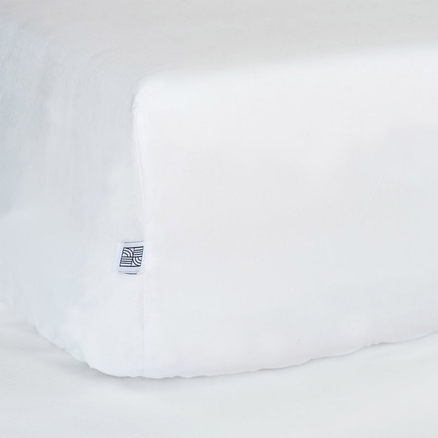 White fitted crib sheets for baby bedding
