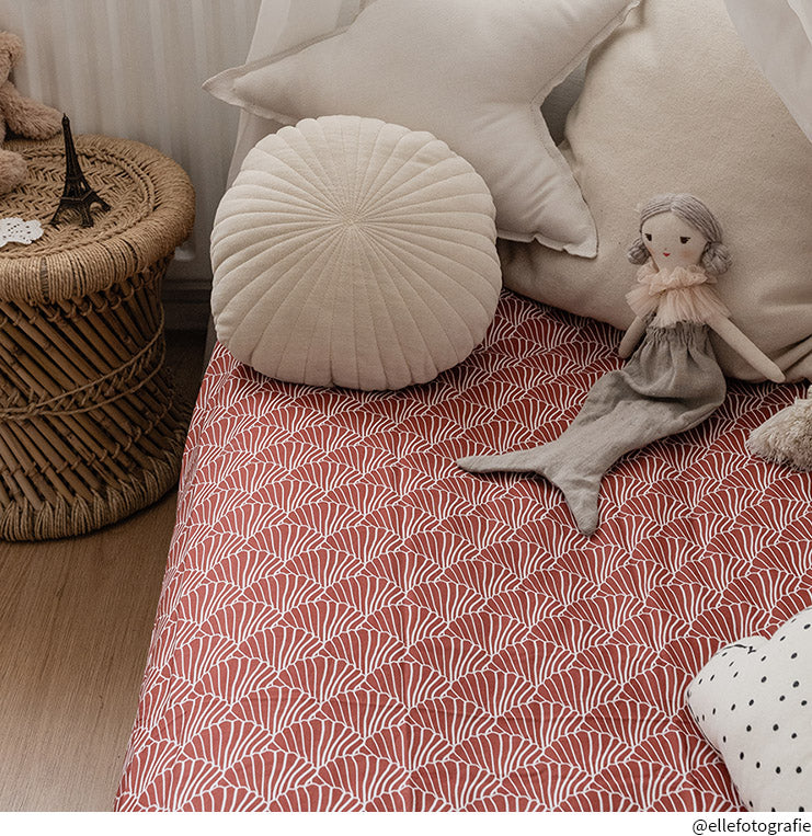 SEASHELLS | Burgundy | 90x200cm | Fitted single sheet