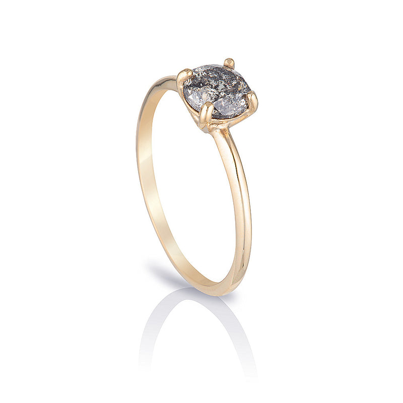 Anne Solitaire II | Salt & Pepper diamond