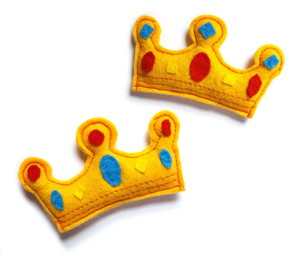 both sides of a crown cat toy