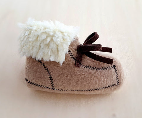 Moccasin shoe Cat Toy