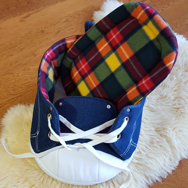 Sneaker Bed in Rainbow Tartan showing removable cushion