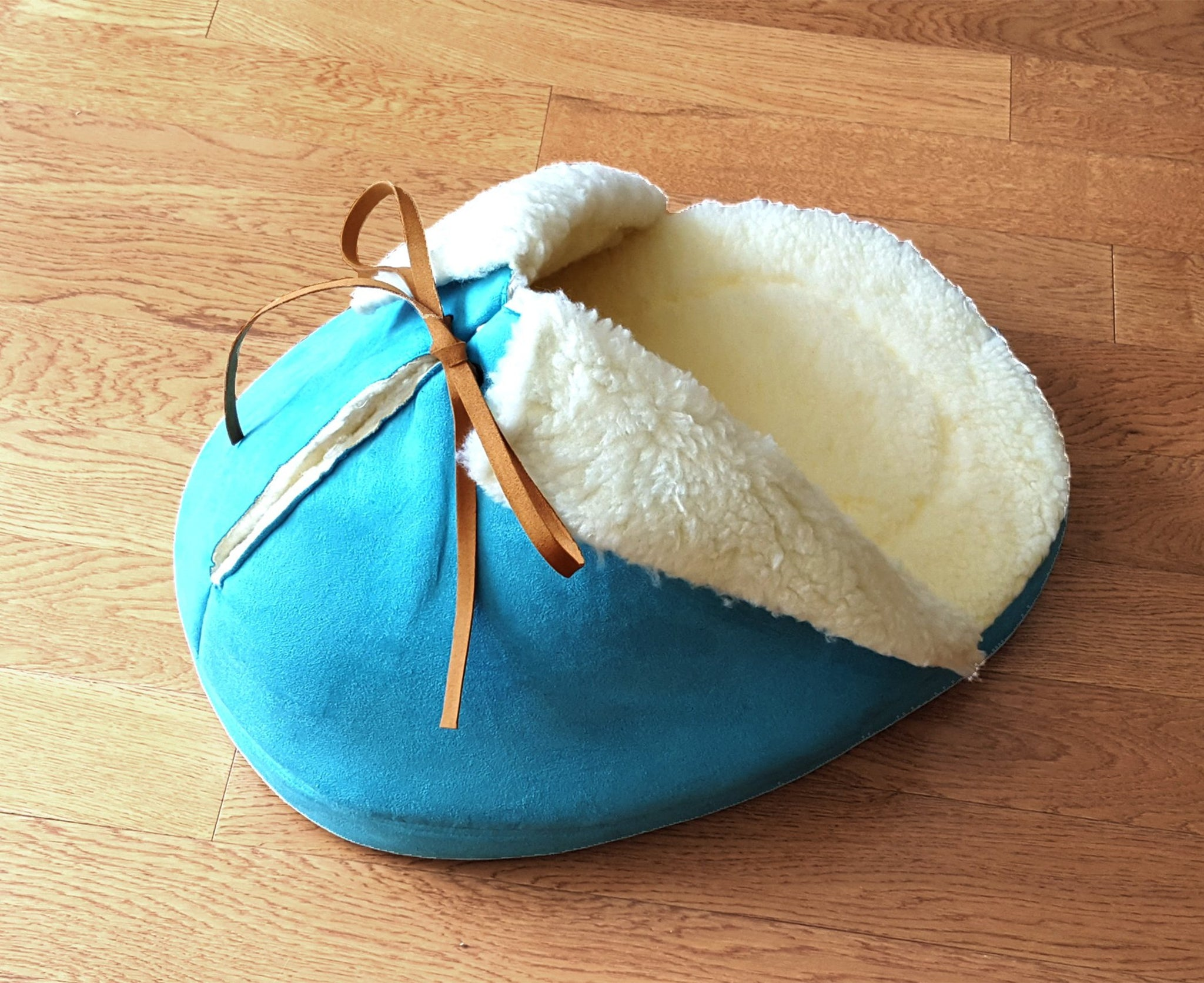 Giant Slipper Bed in Sky Blue