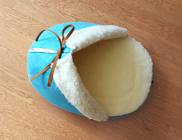 Slipper Bed in Teal top view