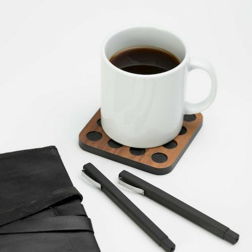 Iulia Walnut With Black Circles Wood Coaster Set Black And Walnut Circles Coasters Iulia