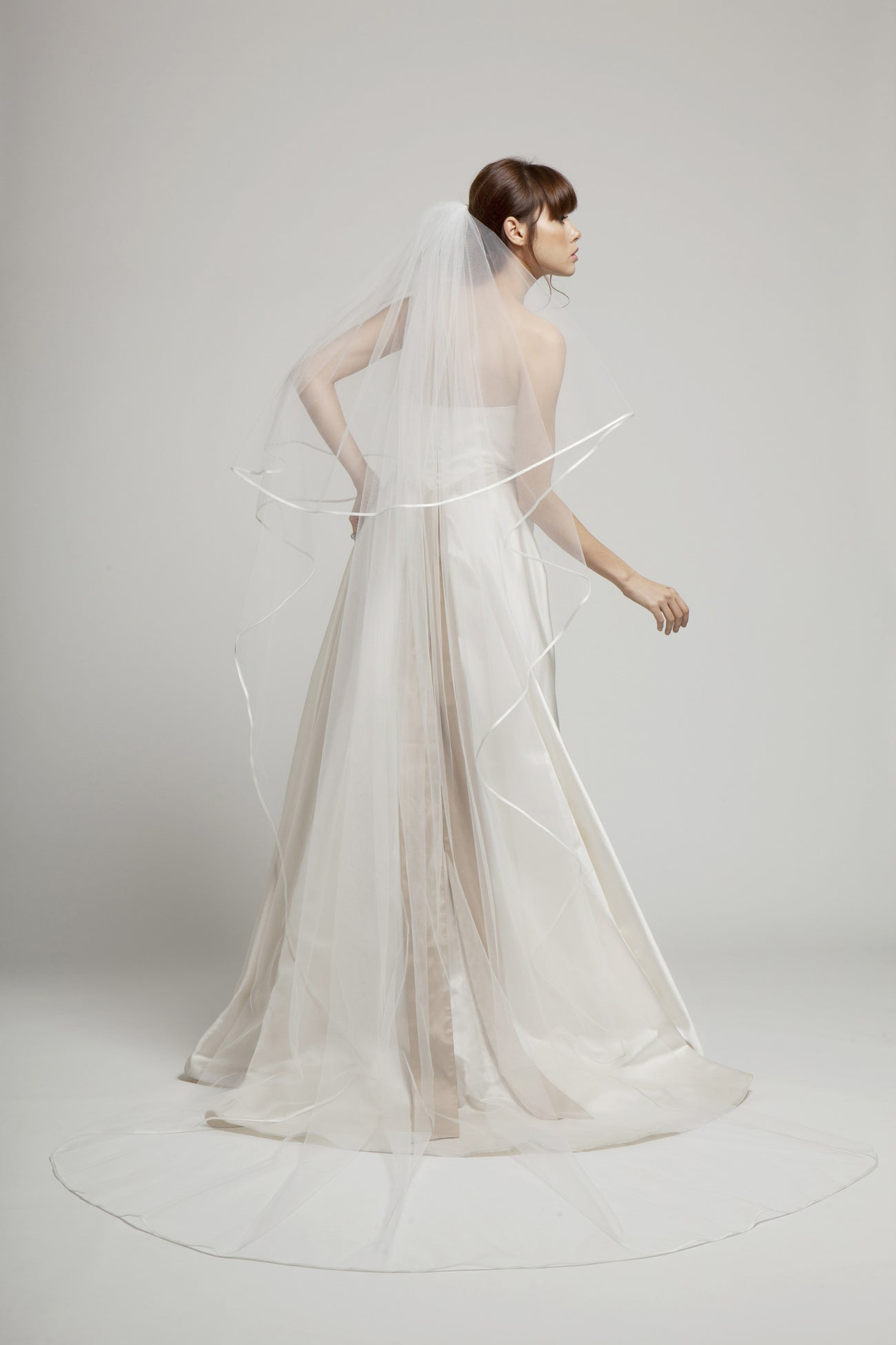 Alicia - Satin Edged Long Bridal Veil