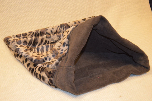 Fleece sleeping bag for cats & small dogs