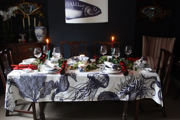 Setting the Perfect Coastal Christmas Dinner Table