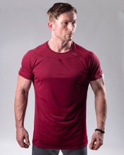Fitted T-shirt in colour Burgundy front view