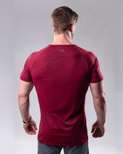 Fitted T-shirt in colour Burgundy rear view