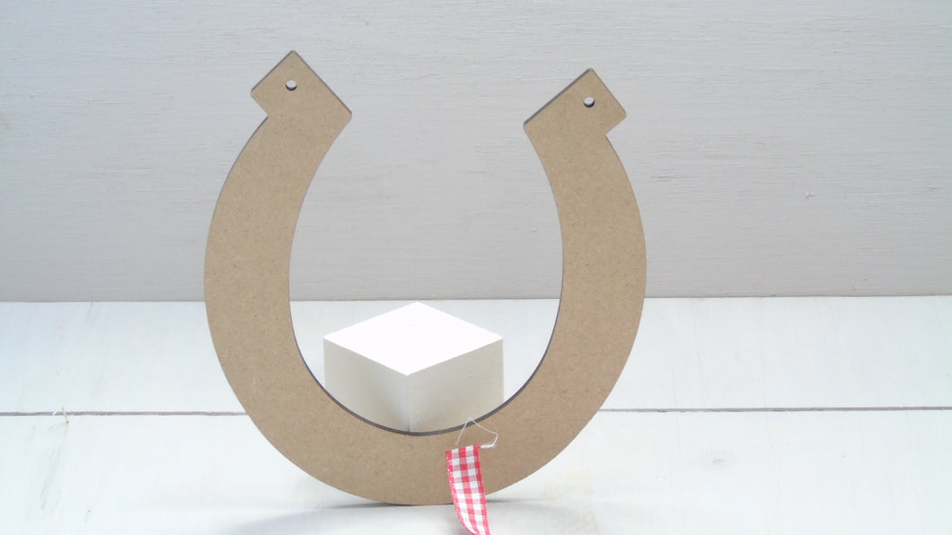 Horse Shoe 4cm -12cm (Packs Of 10)