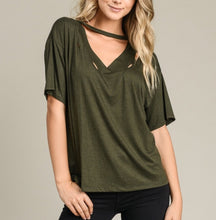 The BBasic Distressed Tee - Olive