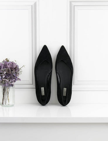 BALENCIAGA SHOES Pointy flat shoes- My Wardrobe Mistakes
