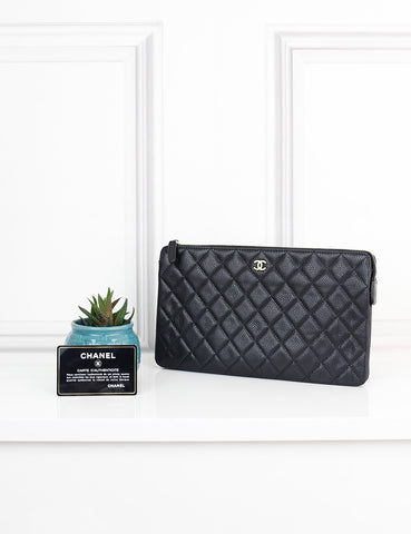 CHANEL ACCESSORIES One size / Black CHANEL Black Caviar Zip Around Wallet