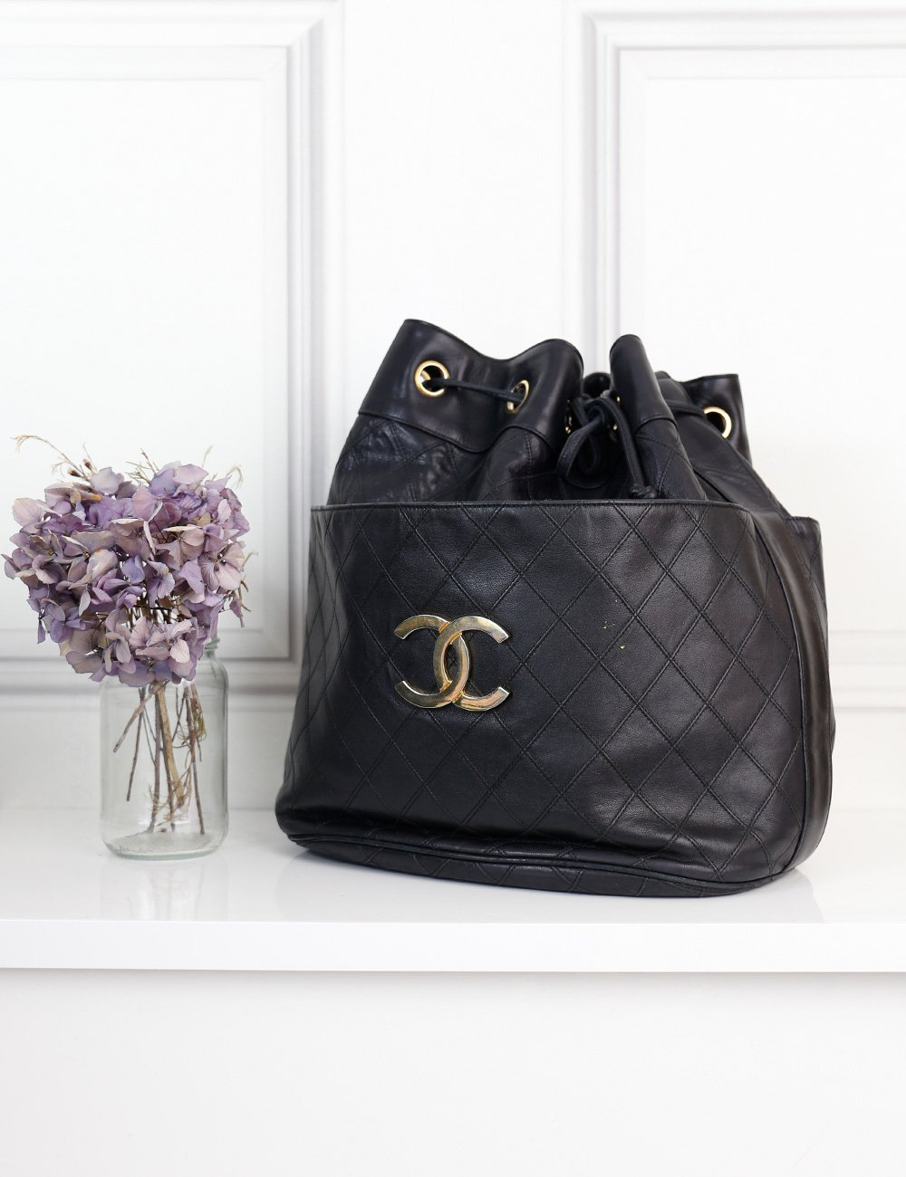 CHANEL BAGS One size / Black CHANEL Drawstring Bucket Large Quilted Leather Shoulder Bag