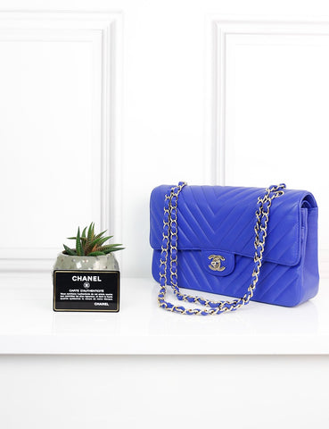 CHANEL BAGS One size / Blue CHANEL Classic Chevron Medium Double flap bag in electric blue