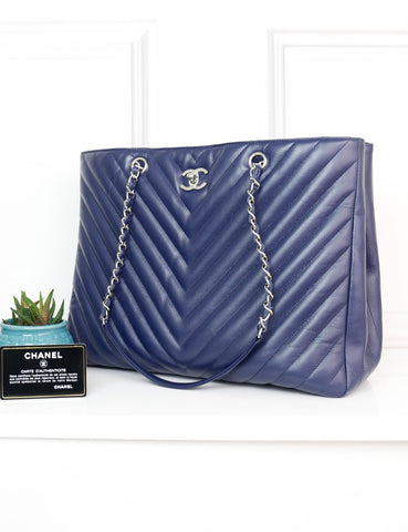 CHANEL BAGS One size / Blue CHANEL Large Classic Chevron Shopping Tote Bag