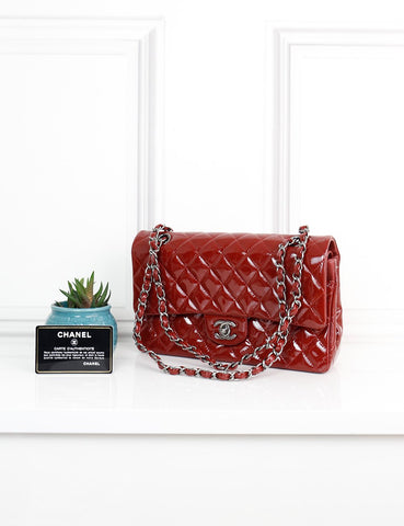 CHANEL BAGS One size / Burgundy CHANEL Classic Medium Double Flap Bag in burgundy patent quilted leather