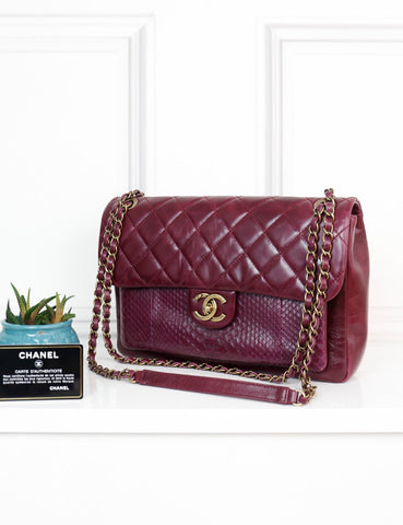 CHANEL BAGS One size / Burgundy CHANEL Jumbo Shoulder Flap Bag in burgundy crinkled leather and exotic leather
