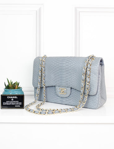 CHANEL BAGS One size / Grey CHANEL Jumbo Timeless Classic Double Flap Bag in mat grey exotic leather