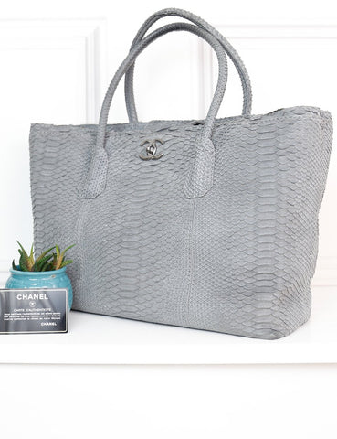 CHANEL BAGS One size / Grey CHANEL Python Executive Cerf Tote Bag