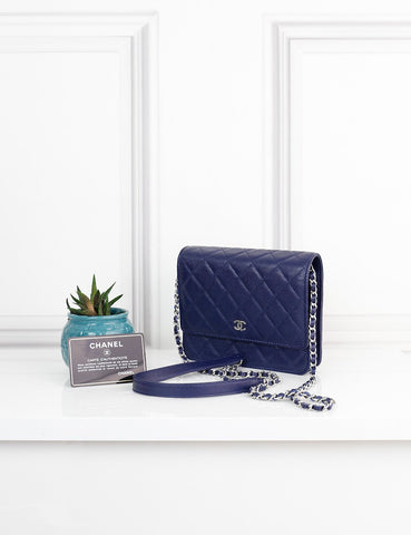 CHANEL BAGS One size / Navy blue CHANEL Square Classic Wallet on Chain in quilted caviar leather