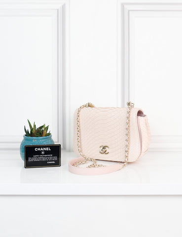 CHANEL BAGS One size / Pink CHANEL Carry Chic Flap Bag Python Small