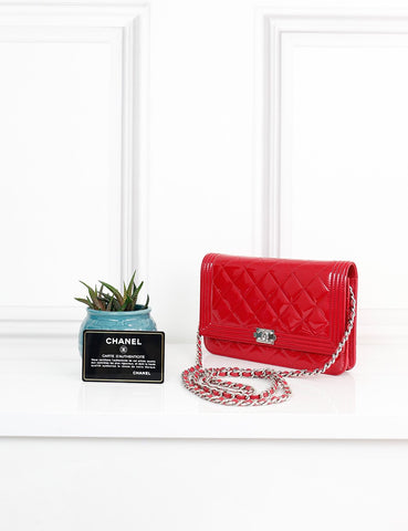 CHANEL BAGS One size / Red CHANEL Boy Wallet on Chain in quilted patent leather