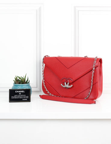 CHANEL BAGS One size / Red CHANEL Caviar Leather CC Chevron Flap Bag