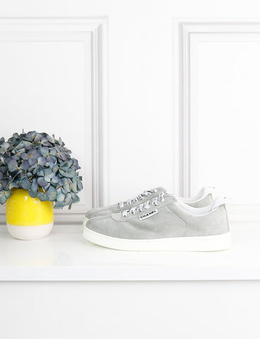 CHANEL SHOES 4UK-37IT-38FR / Grey Low sneakers in suede with logo details