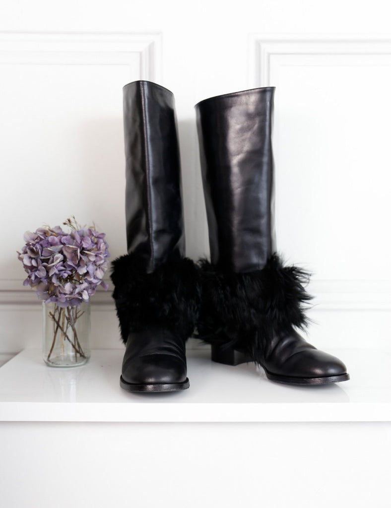 CHANEL SHOES 5.5UK-38.5IT-39.5FR / Black CHANEL Knee-high boots with fur
