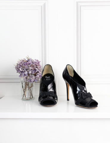 D&G black patent open toe pumps with grosgrain bow 7Uk- My Wardrobe Mistakes