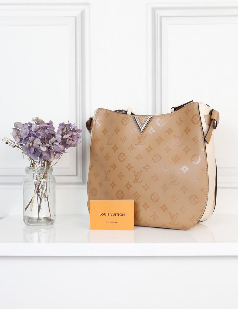 Louis Vuitton 2nd hand authentic beige Hobo MM Very Sesame bag- My Wardrobe Mistakes