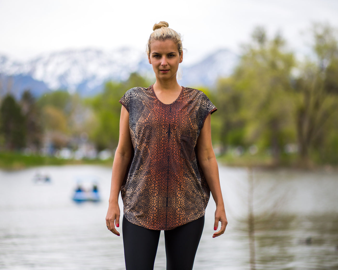 Kate exercise Tee with pocket by Uintah Collection