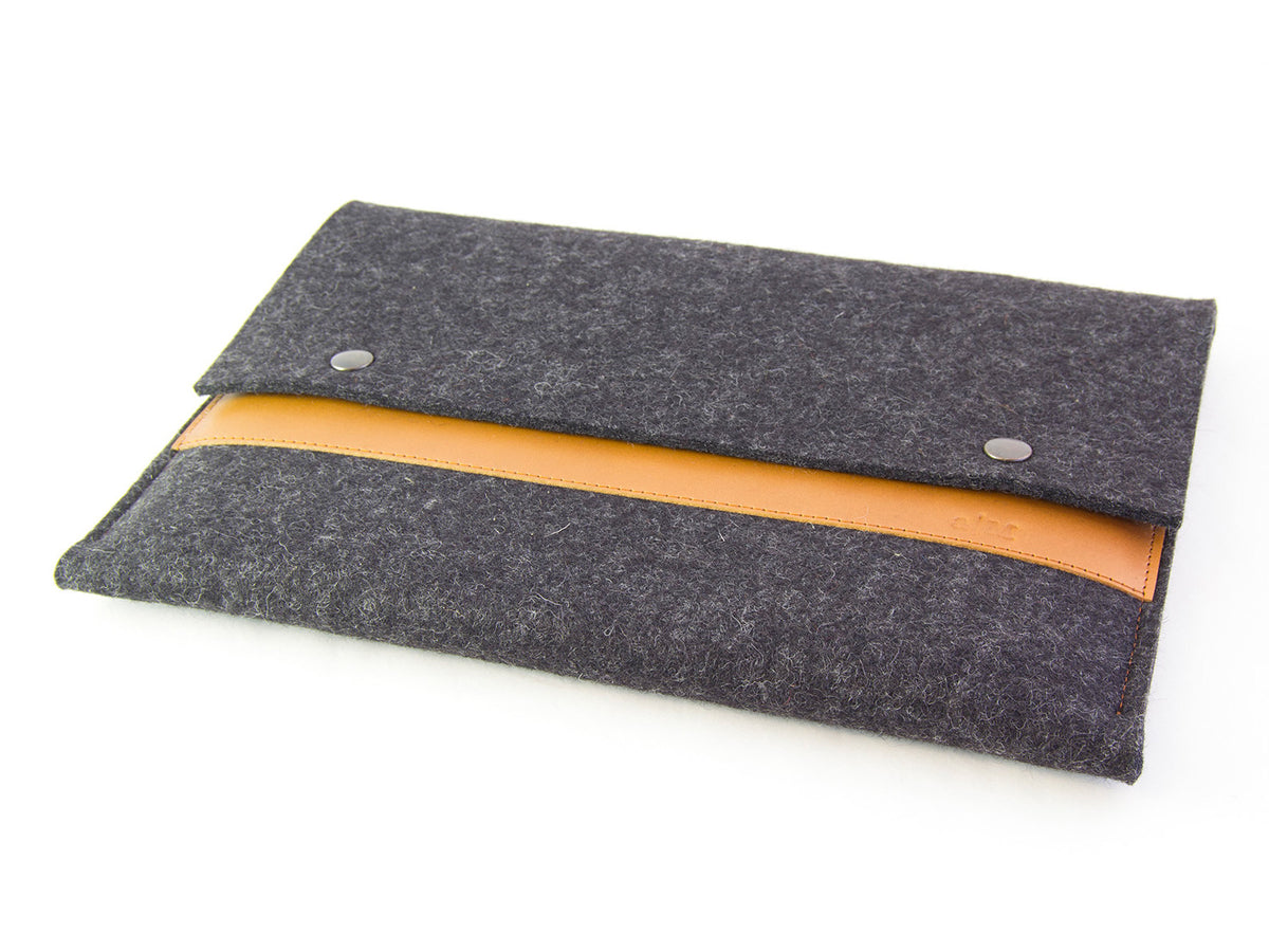 FELT AND LEATHER MACBOOK SLEEVE