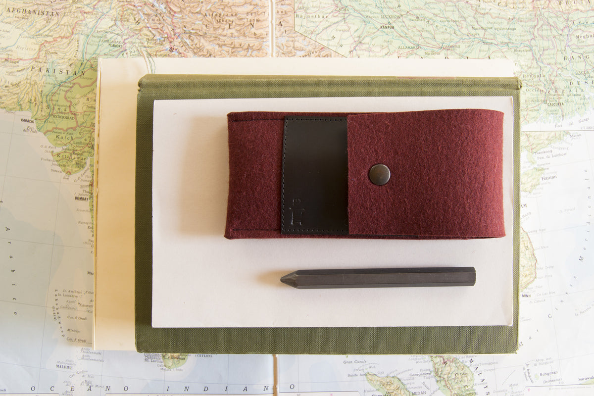 FELT AND LEATHER CASE - Maroon/Black