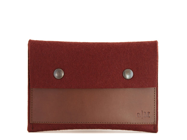 FELT AND LEATHER PASSPORT WALLET - Maroon/Brown