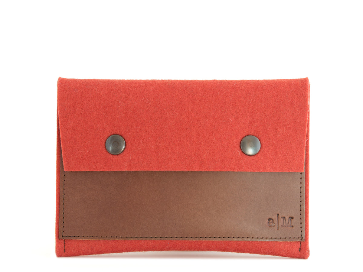 FELT AND LEATHER PASSPORT WALLET - Terracotta/Brown