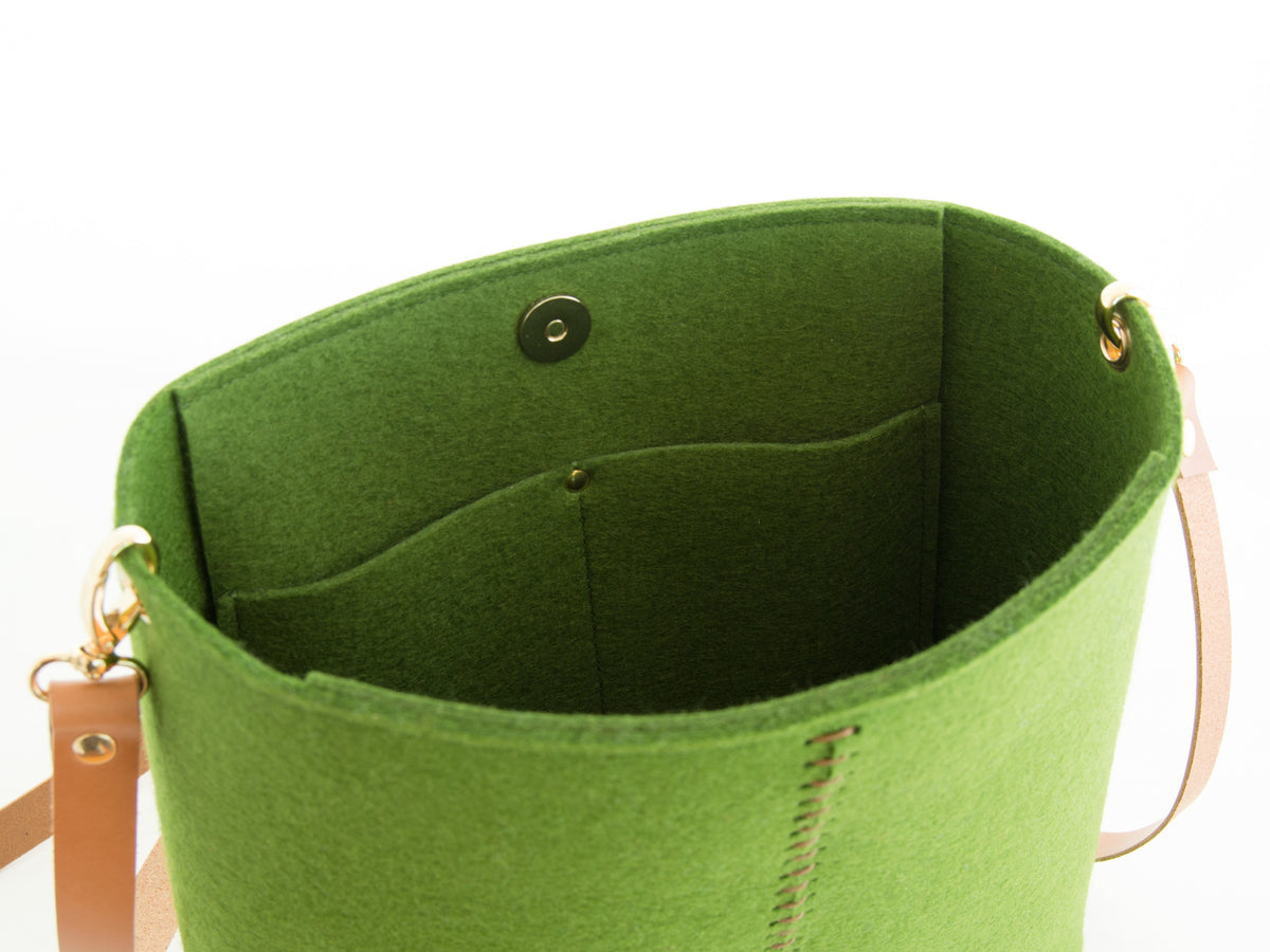 FRONT STITCHING SMALL CROSSBODY BAG - Green