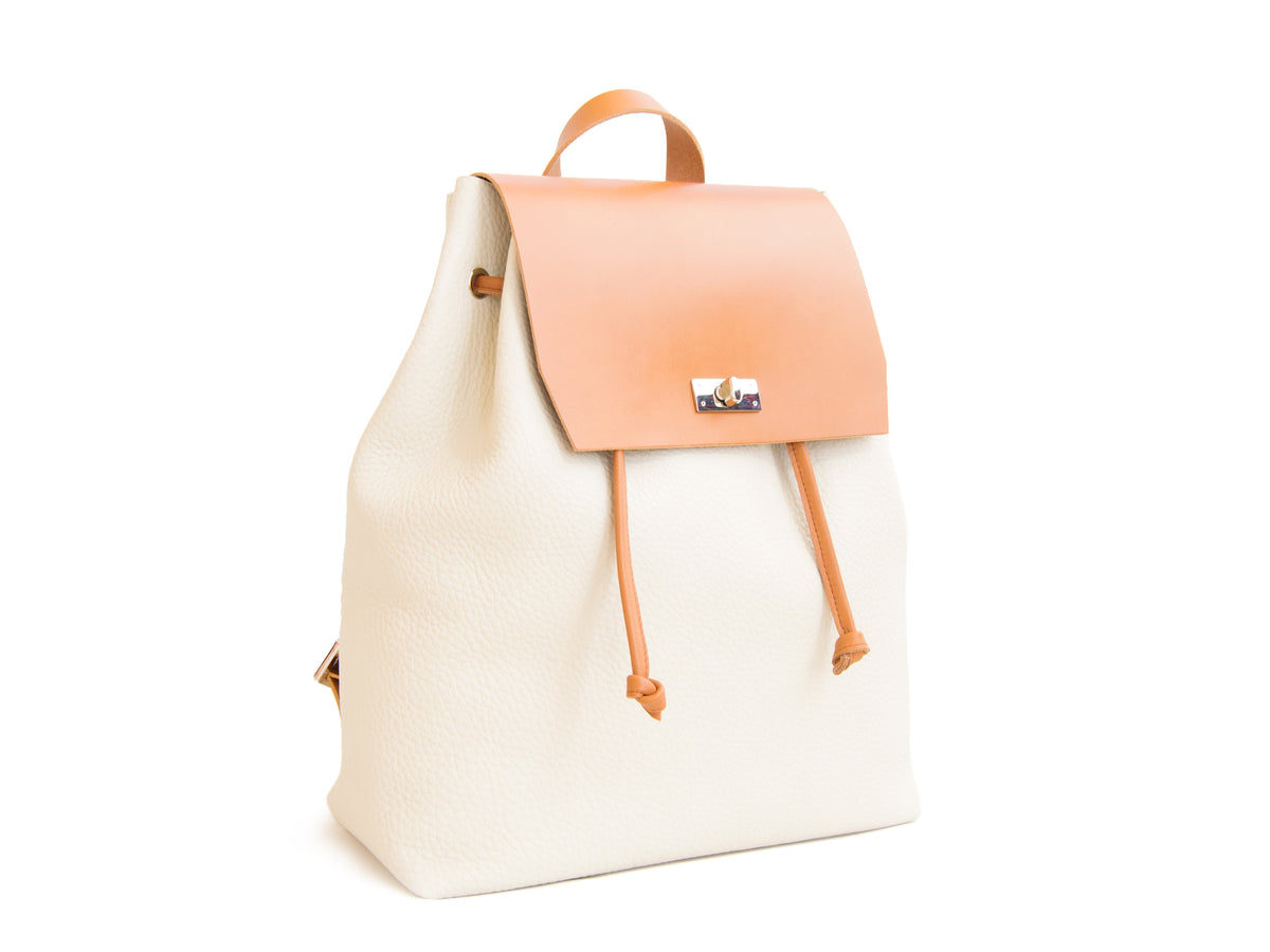 LEATHER BACKPACK - Cream/Tan