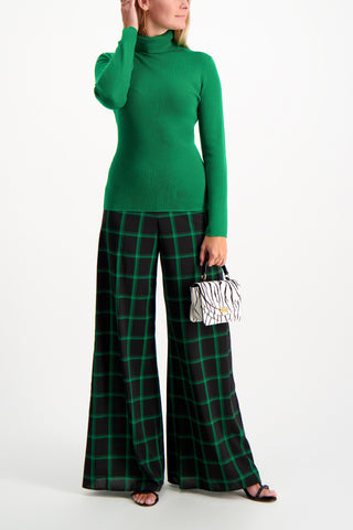 Full Body Image Of Model Wearing Alice & Olivia Athena Wide Leg Pant