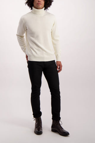 Full Body Image Of Model Wearing Altea Merino Turtleneck Panna
