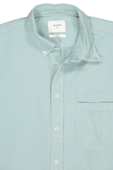 Collar Detail Image Of Washed Oxford Tuscumbia Shirt Seafoam