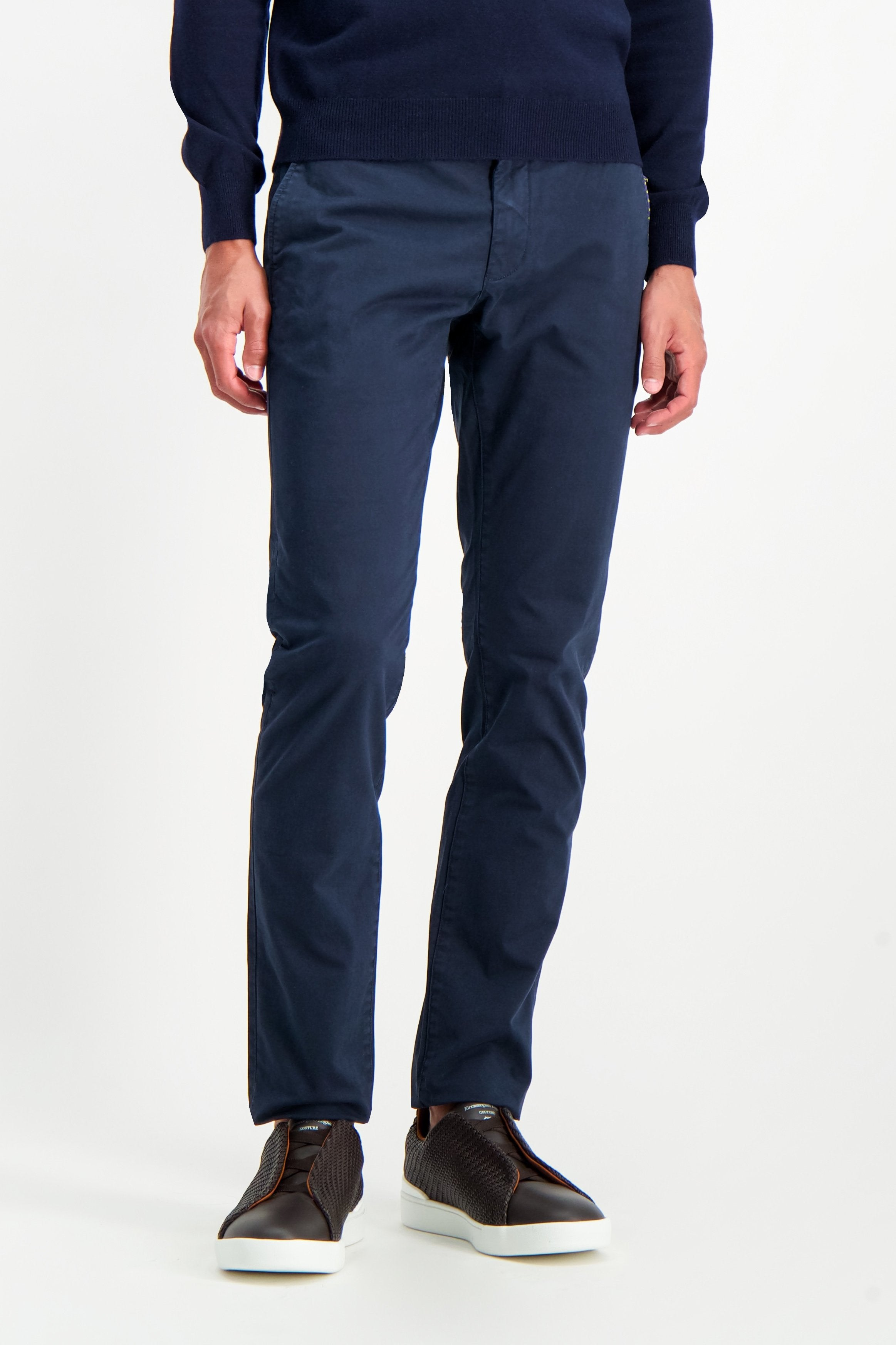 Front Crop Image Of Model Wearing CLOSED Clifton Slim Chino Dark Night