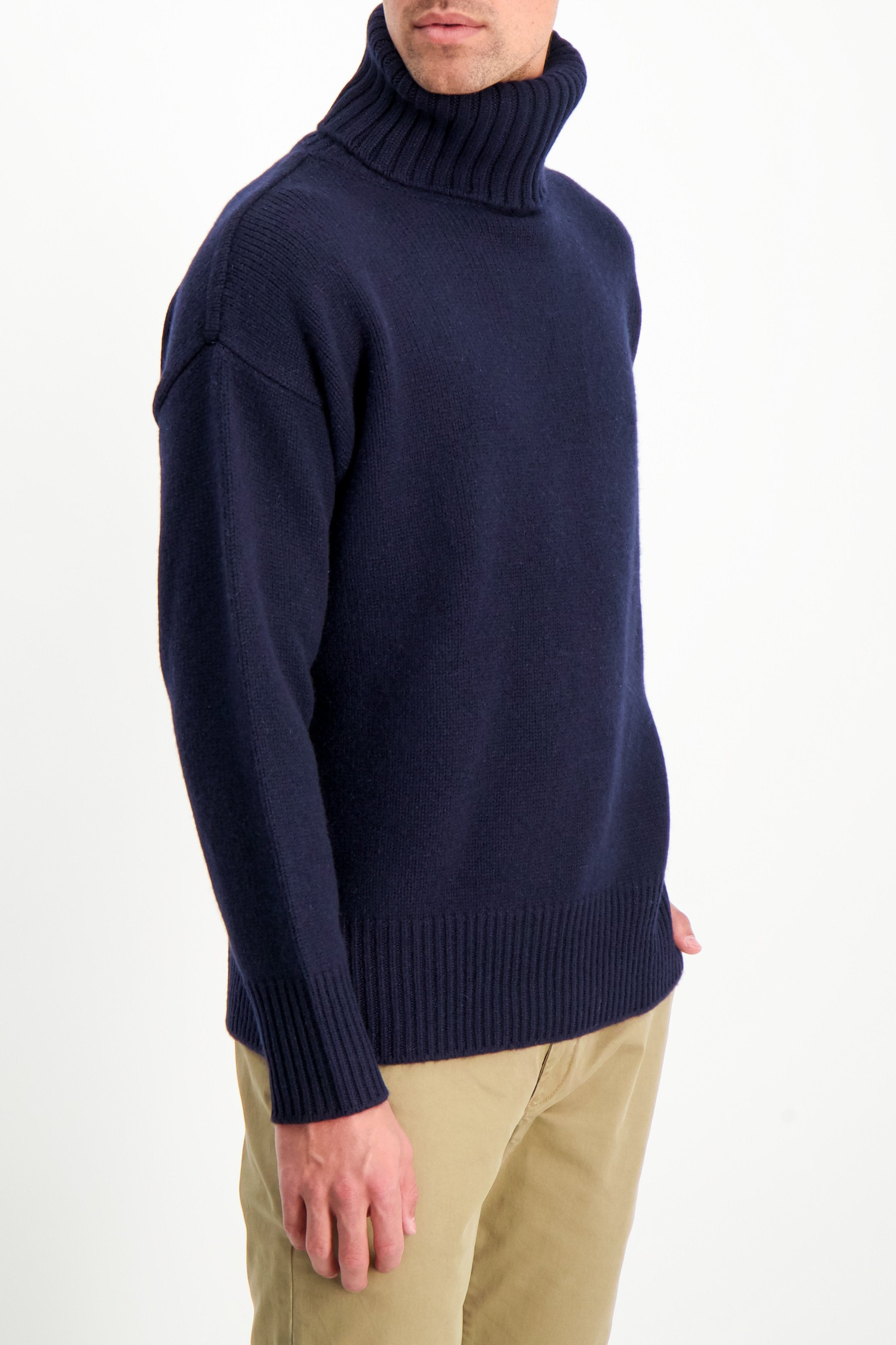 Front Crop Image Of Model Wearing Extreme Cashmere N°20 Oversize Xtra Sweater Navy